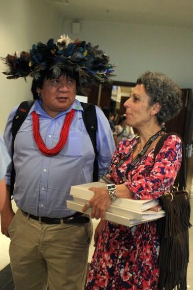 Almir Narayamoga Surui törzsfőnök a világ figyelmét kéri - s bizalommal fordul az új kommunikációs eszközökhöz