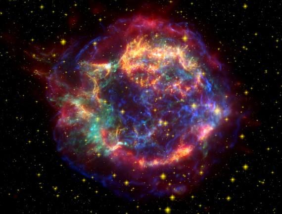 A NASA szupernova-felvétele (Megközelítően 300 évvel ezelőtti látvány mai visszfénye)