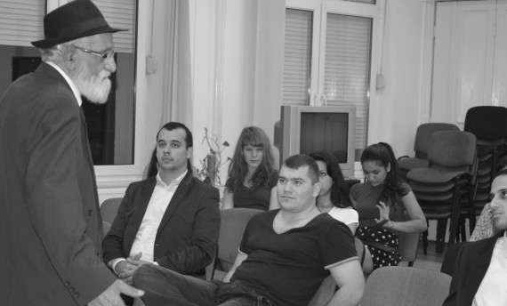 Choli Daróczi József beszélgetése a Jezsuita Roma Kollégiumban