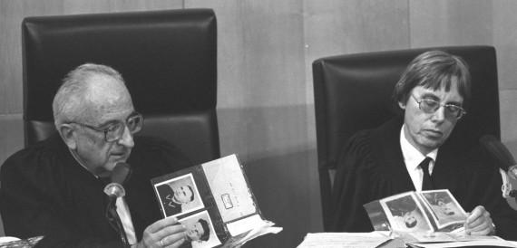 Dov Levin és Dalia Dorner Demjanuk ügyének tárgyalásán